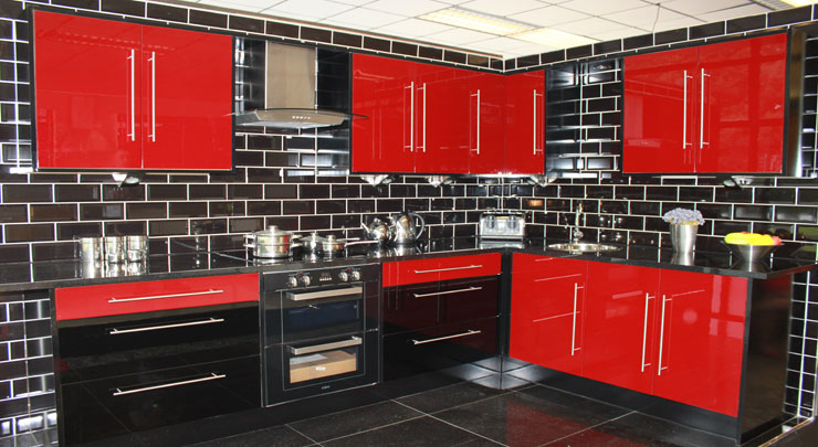 Get this gorgeous red high gloss kitchen for just 1195. This includes all  that is